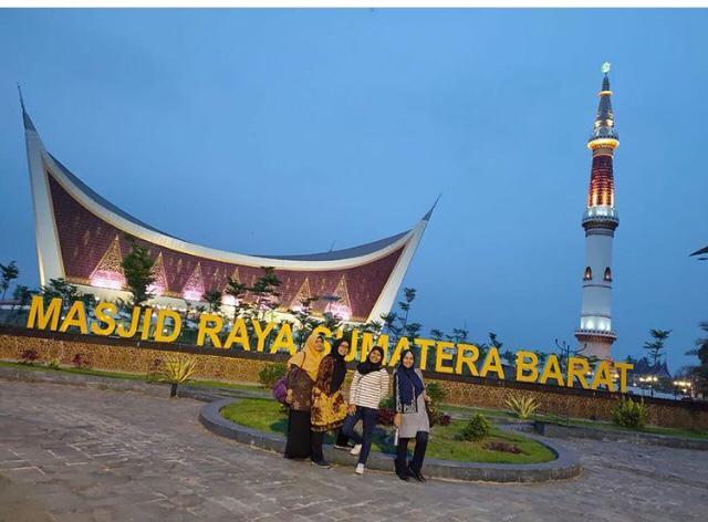 Berkunjung ke Masjid Tanpa Kubah, Masjid Raya Sumatera Barat