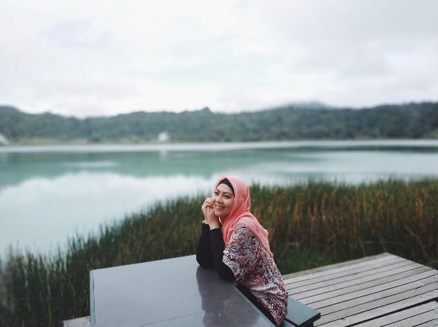 Menikmati Keindahan Danau Linow Tomohon, Sulawesi Utara