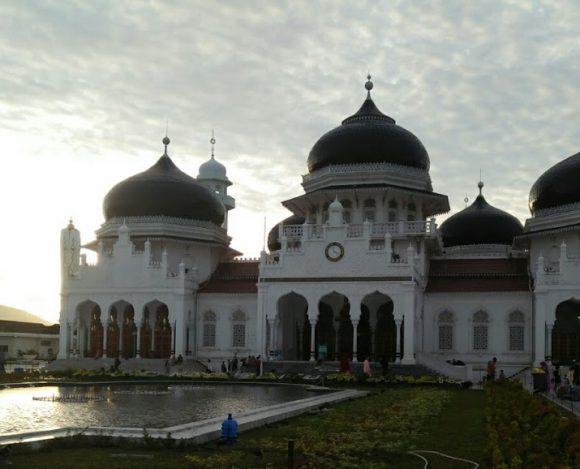 Berkunjung ke Iconnya Banda Aceh, Masjid Baiturrahman